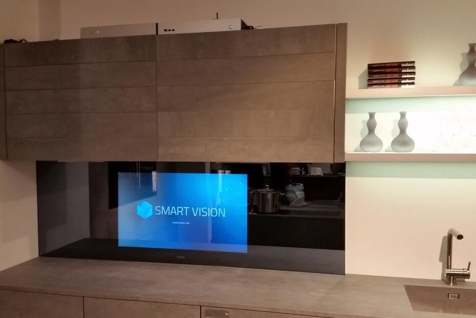 Nischenrückwand mit LCD für TV/Fernsehen mit Fernbedienung