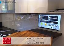 Nischenrückwand aus Glas für die Küche mit Fernsehen